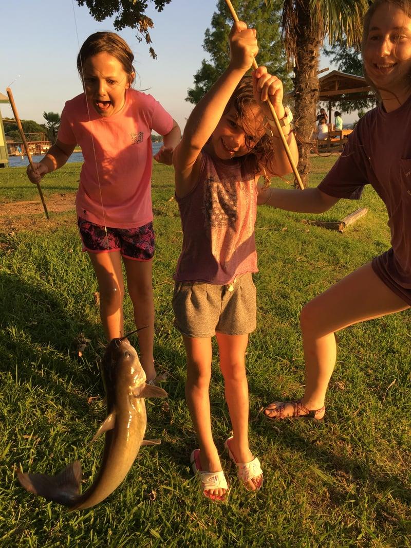 Small_girl_big_fish.jpg