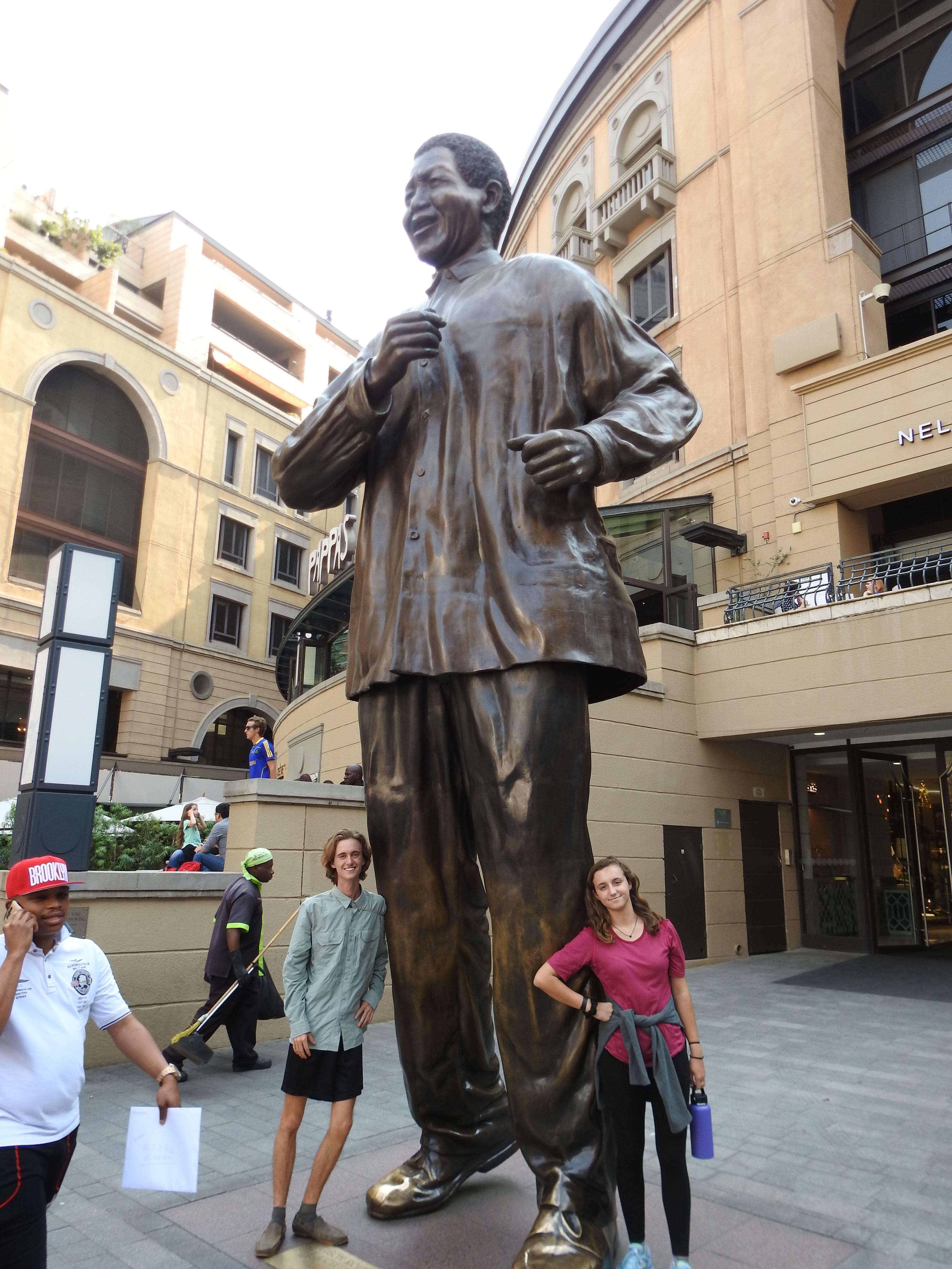 W_and_V_with_Mandela.jpg