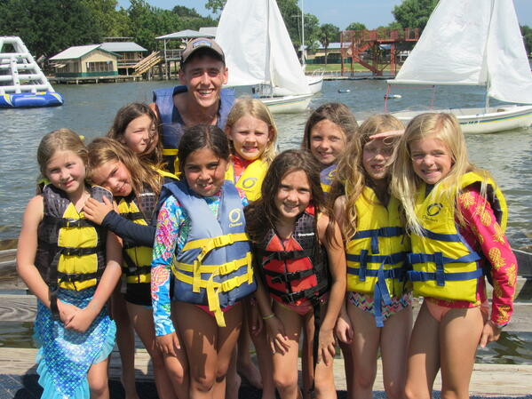 girls sailing with Jake